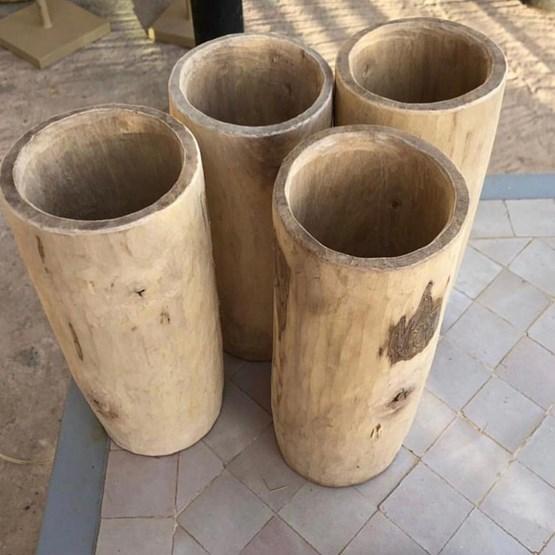 Vase en noyer - Design : MODERN TRADITION