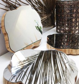 Miroirs collés sur bois