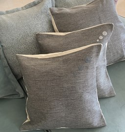 Set of 2 Cushions in Kiria embroidered dark gray