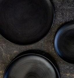 Quatuor  Assiettes céramique noire