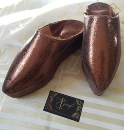 Bronze leather slippers