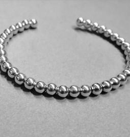 Bracelet rigide perles d'argent