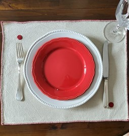 Placemats in Kiria red with burgundy embroidery