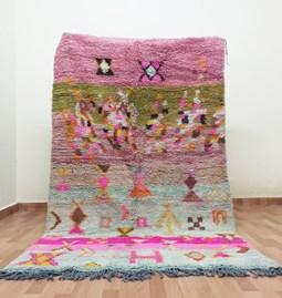 Rug woven in vegetal wool