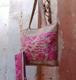 Burlap bag and pouch set, with embroidery