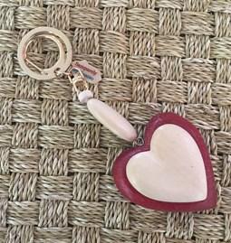 Porte clefs/bijoux de sacs bi-love