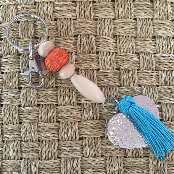 Porte clefs/bijoux de sacs love - Design : SAMPARELY BY KOSOSO