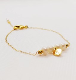 Soft pearl bracelet