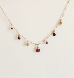 Collier Amazing red