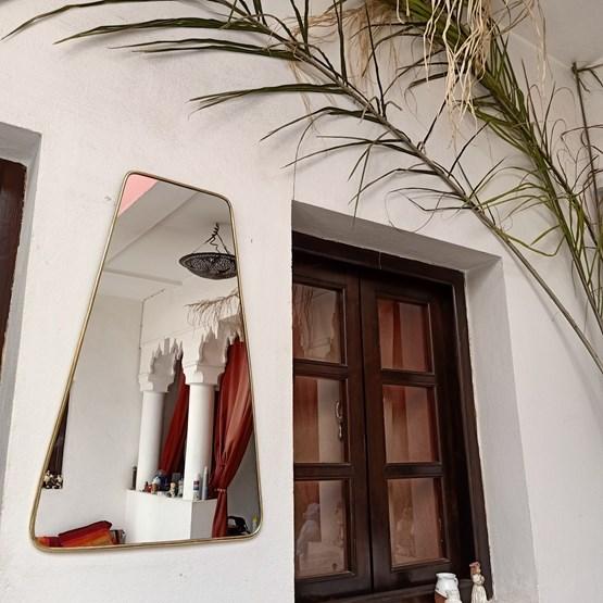 Miroir trapèze en laiton - Design : BAZAR DES ARTISANS