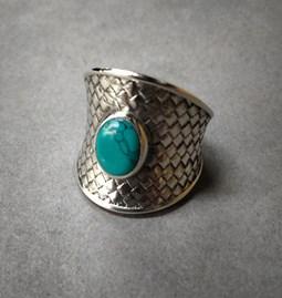 Bague en argent sterling 925 avec une pierre de turquoise
