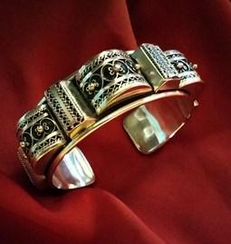 Bracelet berbère en argent ciselé
