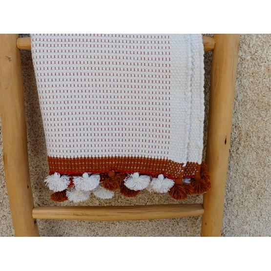 Tapis de bain moucheté blanc/camel - Design : COOPERATIVE TISSAGE ARTISTIQUE