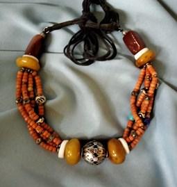 Collier berbère en perles Tagmout et filigrane