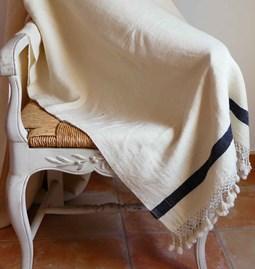 Plaid laine blanc finition crochet